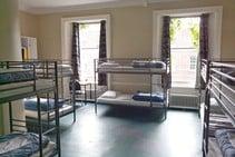 صور توضيحية لهذه الفئة من الإقامة مقدمة من   Dublin Centre of Education - 1