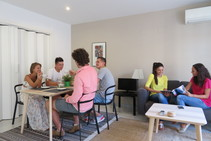 صور توضيحية لهذه الفئة من الإقامة مقدمة من   Españole International House