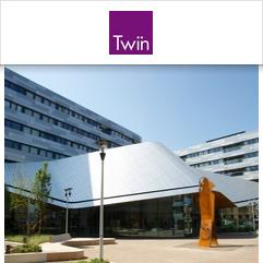Twin School, لندن