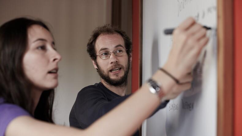 المعلم والطالب في Academia Uruguay