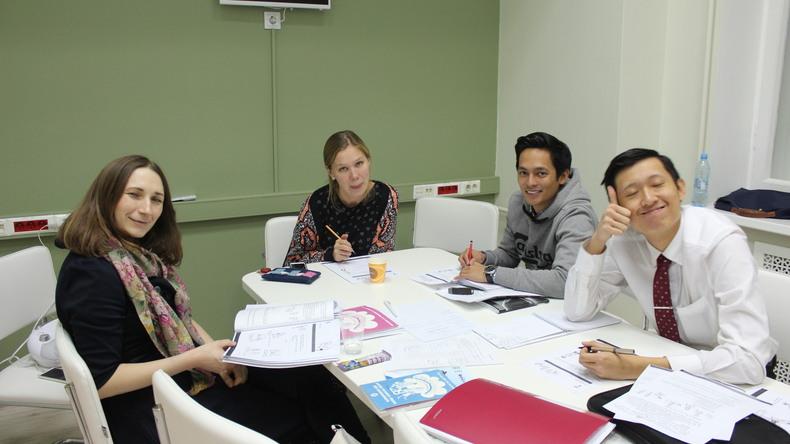 الدراسة الجماعية في EDUCA