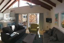 Residence - Twin Room, Byron Bay English Language School, Byron Bay - 2