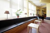 Youth Hotel, DID Deutsch-Institut, Monaco - 2