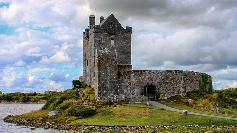 Château de Dunguaire. Co. Galway