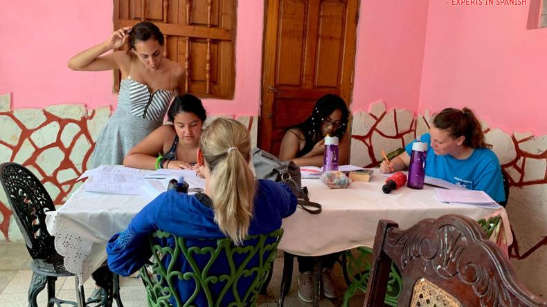 Apprendre ensemble à Estudio Sampere
