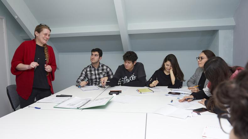 Cours en groupe et professeur