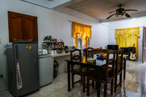 Casa de familia , Paradise English, Isla Boracay