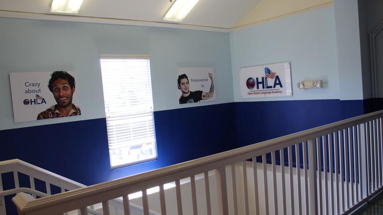 Interior de Open Hearts Language Academy