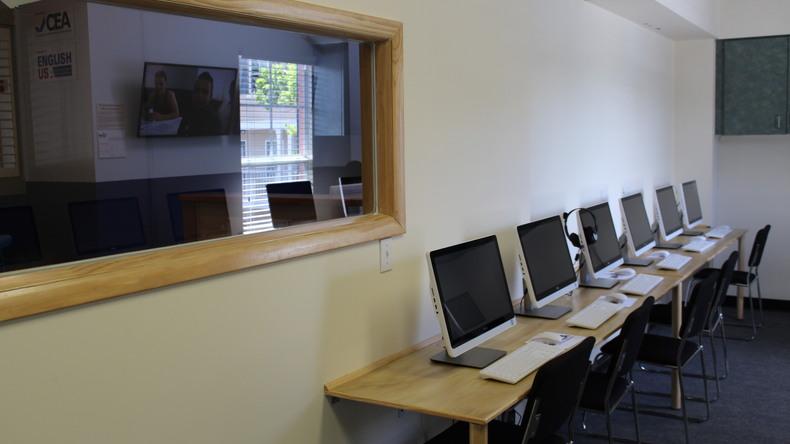 Instalaciones informáticas de Open Hearts Language Academy