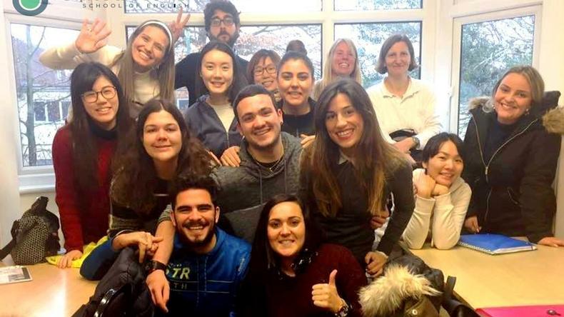 Estudiantes de United World School of English