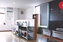 Eksempel på kategori af indkvartering er leveret af Sakitama International Academy