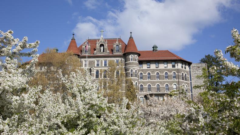 FLS - Chestnut Hill College skolebygning