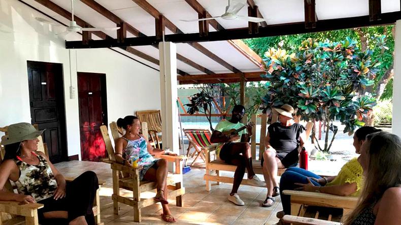 Intercultura Costa Rica Spanish Schools terrasse