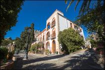共同アパート, Solemar Academy, チェファル - 1