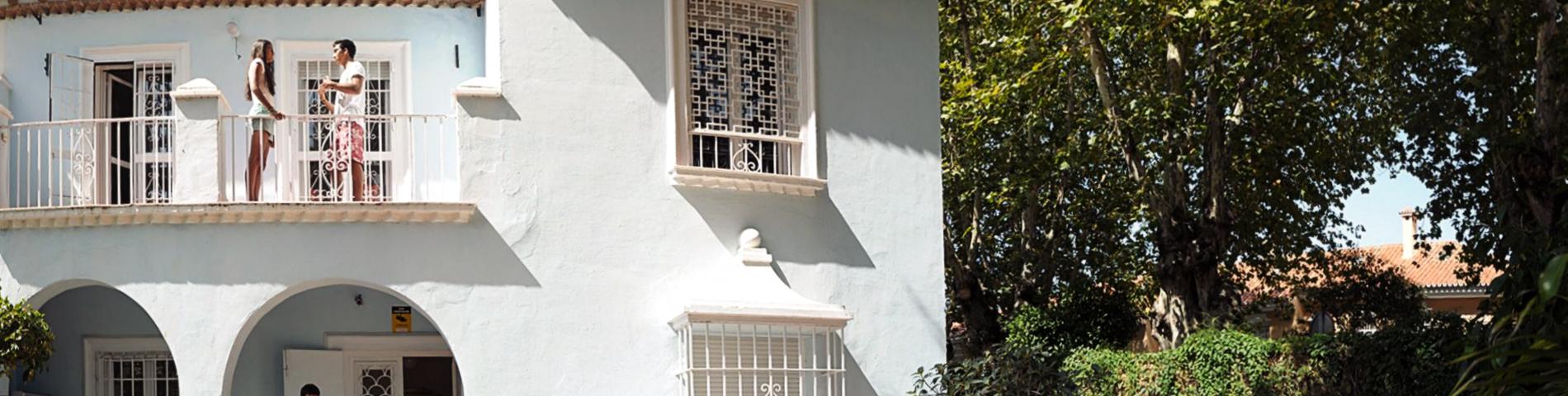 Cervantes Escuela Internacional画像1