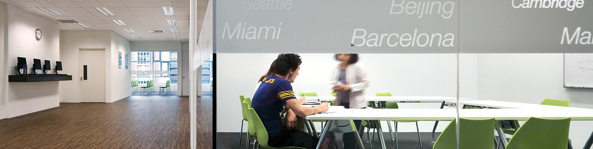 EF International Language Center画像1