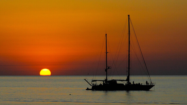 Auringonlasku Cefalussa