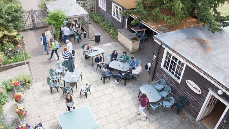 Oxford English Centerin tilukset