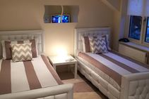 Example image of this accommodation category provided by Edinburgh School of English - 1