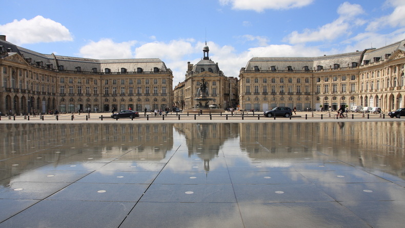 Visiting Place de la Bourse