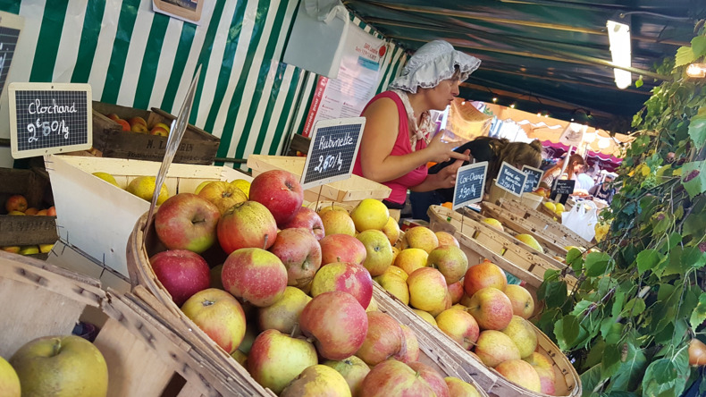 Fruit market in Rouen