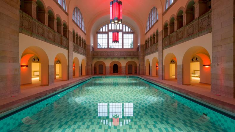 GLS swimming pool