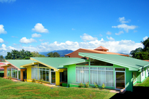 Residência estudantil, Academia Tica, San José