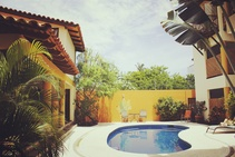 La Barca Surf House, Oasis Language School, Пуэрто-Эскондидо - 1