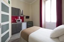 Apart'hotel Ajoupa Studio (Low/Mid Season), Actilangue, Nice