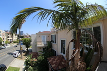 Exempelbild av bostadskategorin som CEL College of English Language Santa Monica anordnar. - 1