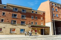 Exempelbild av bostadskategorin som LEC - Liverpool English Centre anordnar. - 1