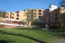 Exempelbild av bostadskategorin som Verbum Novum GmbH - Summer School anordnar. - 2
