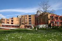 Exempelbild av bostadskategorin som Verbum Novum GmbH - Summer School anordnar. - 1