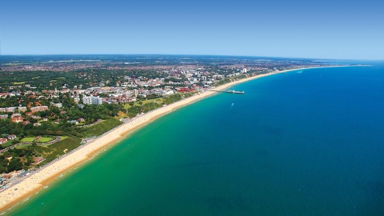 Panoramautsikt över kusten