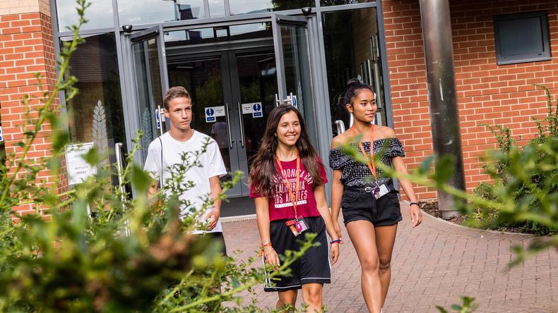 Studenter på IH Moulton