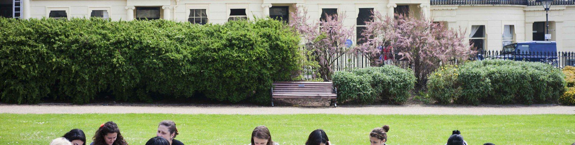 Oxford International Education bild 1