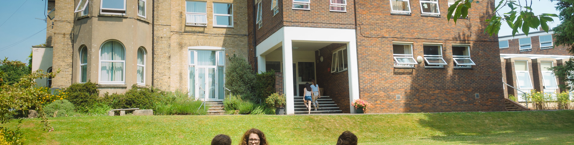 UK College of English - Easter and Summer School bild 1