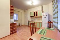 Zdieľaný byt, Derzhavin Institute, Petrohrad