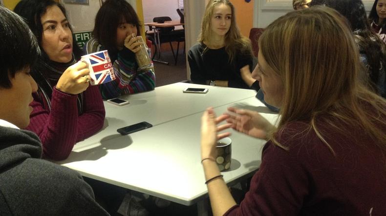 Studenten aan het socializen