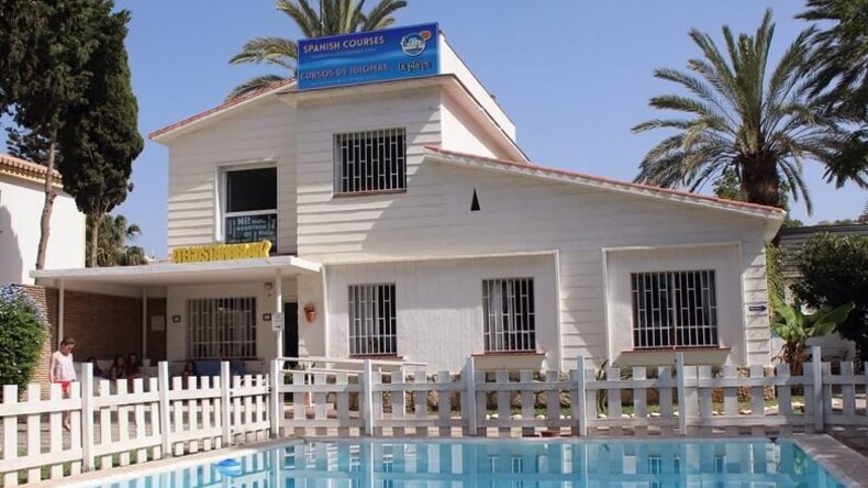 La Playa School