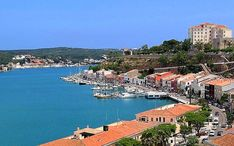 Principales destinos: Mahón (Menorca) (miniatura de la ciudad)