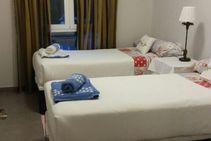 Фото готелю цієї категорії від школи Debla - 1