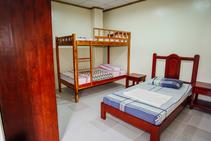 Фото готелю цієї категорії від школи First English Global College - 1