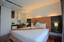Фото готелю цієї категорії від школи International House - 1